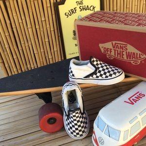 Vans Classic Checkerboard Canvas Low Top Sneakers